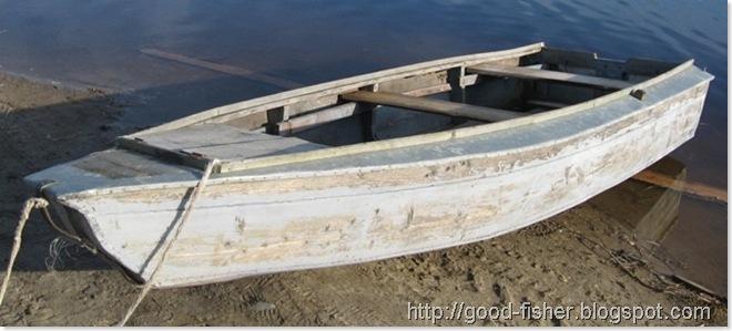лодка из жести и дерева